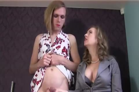 domme Playing With Sensual Sissy