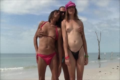 Jamie, Michelle And Christy At The Beach