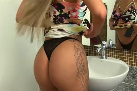 tasty ladyboy Julia Steinkopf Washes Her erect 10-Pounder At The Sink