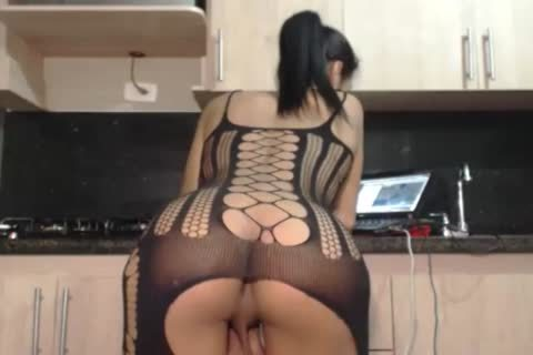 Holly In sleazy Fishnets