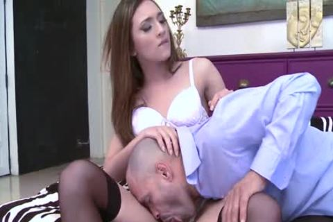 Skinny tranny Carol Penelope drilled right into an arsehole