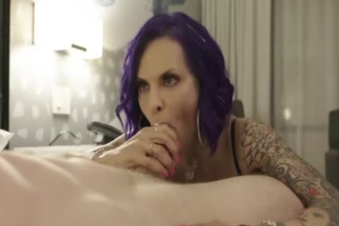 thick shemale TS Foxxy Delivers Expert Deepthroat blowjob