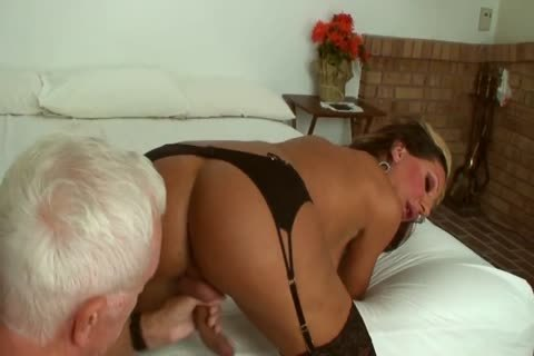 Ariel Everitts - nasty Clits - attractive Sex With A tranny