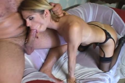 Skilful At sucking Sthis chabmale Tart receives anal fucking