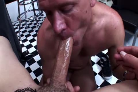 Italian tranny Has this chabr Hard ramdick sucked By studica2