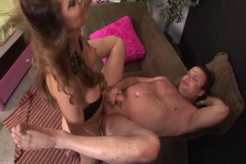 Johanna B Makes Sure she Gives him enjoyguyst