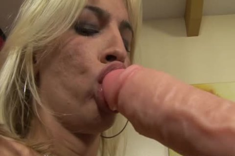 Dany De Castro's butt Is penetrated With A enormous vibrator