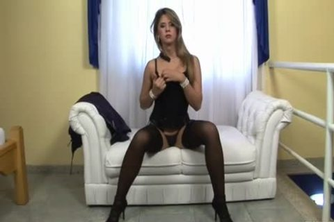Solo TS In nylons Jerks Off